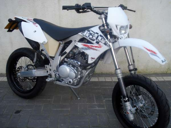 AJP Super motard #1