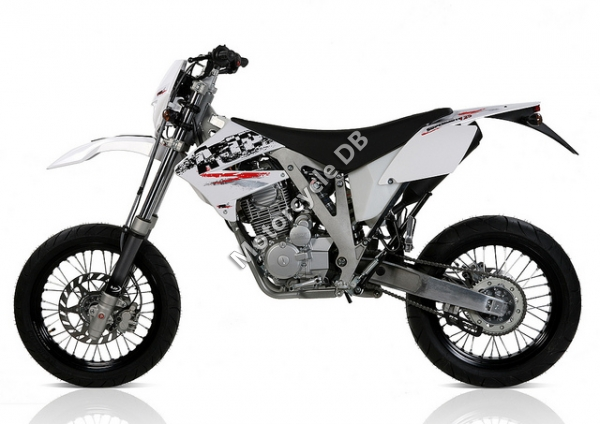 AJP Super motard #4