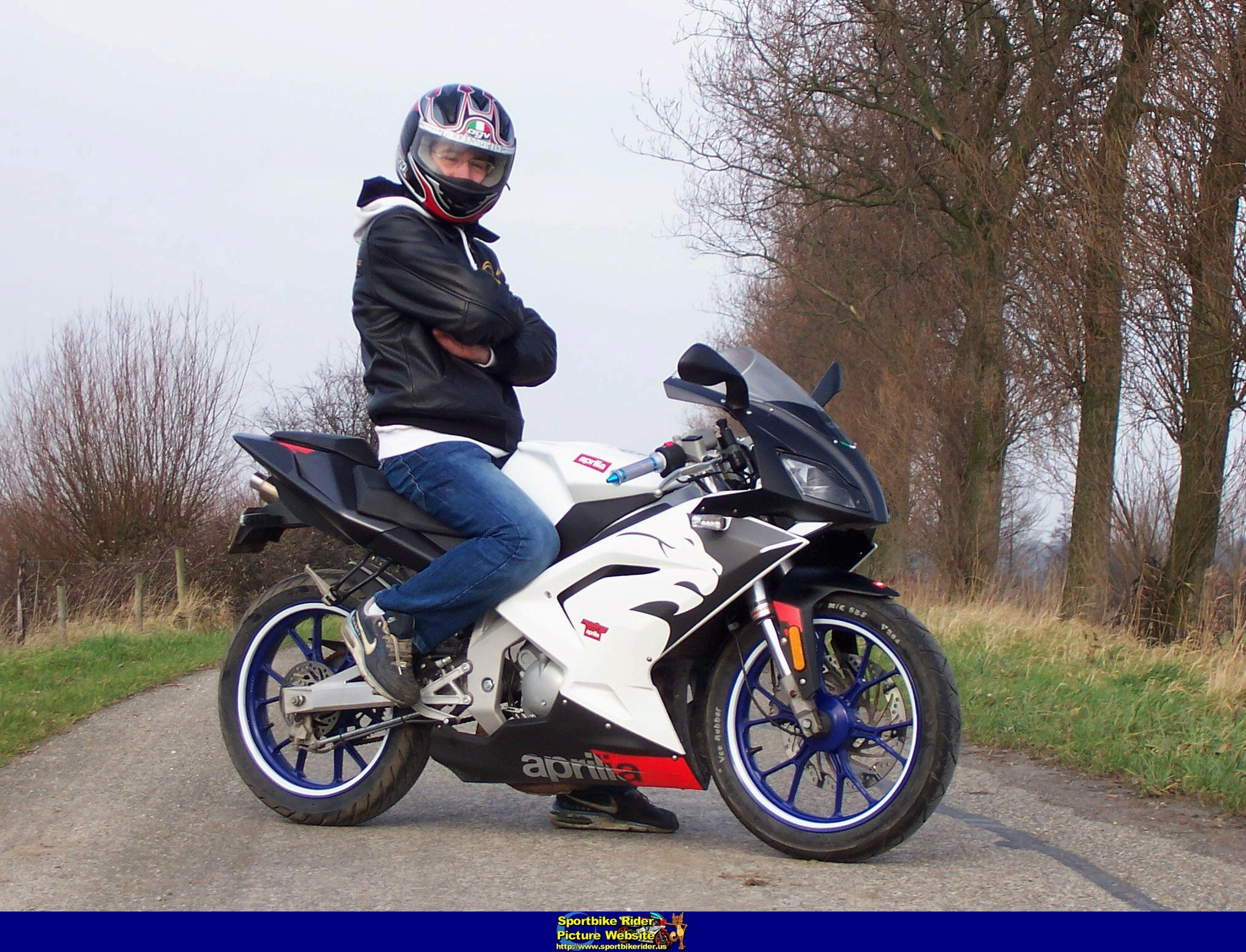 2009 Cagiva Mito 125 moreover New 2018 Vespa Gts 300 Super Sport in addition 2009 Mbk Booster Scooter Pictures as well 2014 Honda Cb 650 F moreover 2007 Aprilia Rs 50. on aprilia 2 cylinder