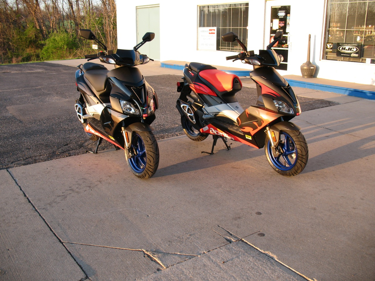 2014 aprilia sr 50 r moto zombdrive com. Black Bedroom Furniture Sets. Home Design Ideas