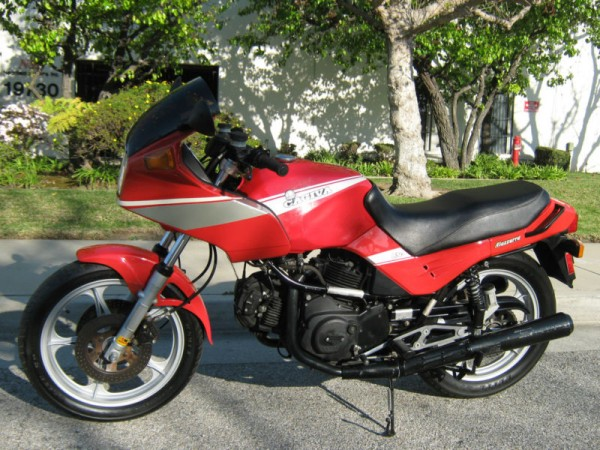1986 Cagiva 650 Alazzurra (reduced effect) #1