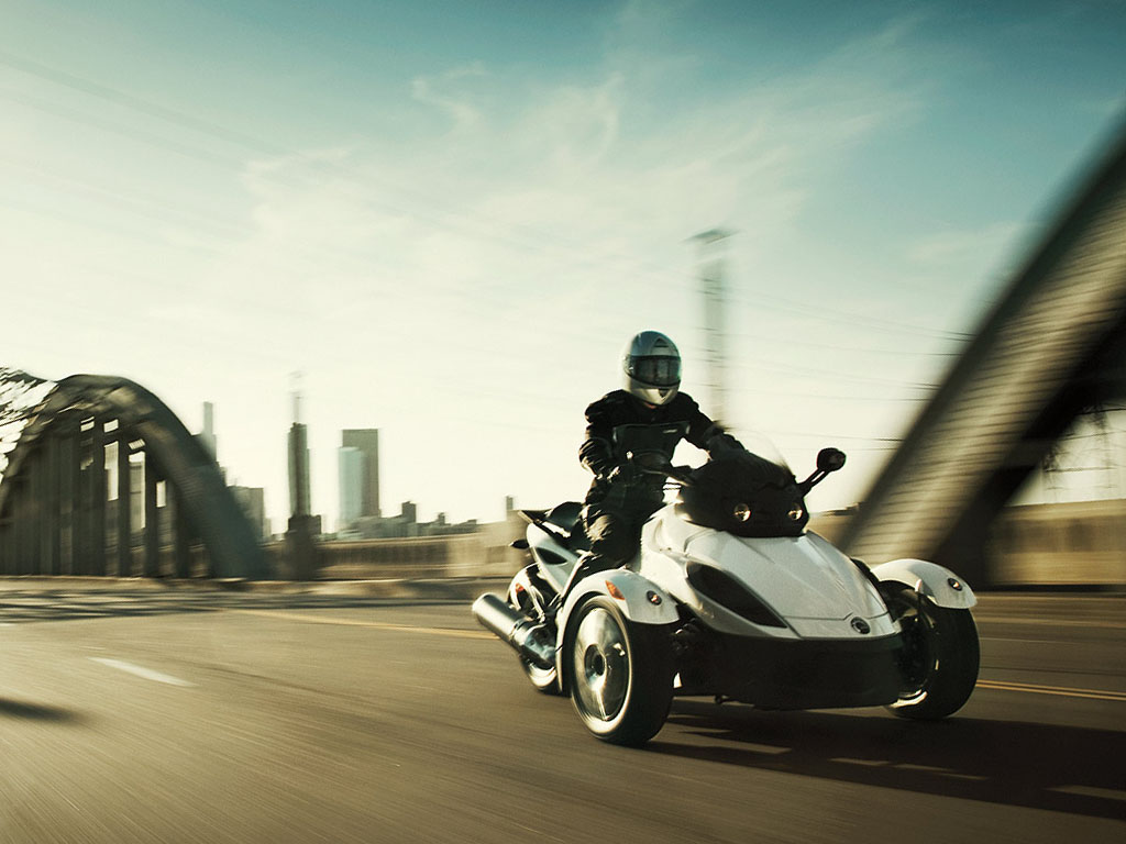 Can-Am Spyder Roadster RS #10
