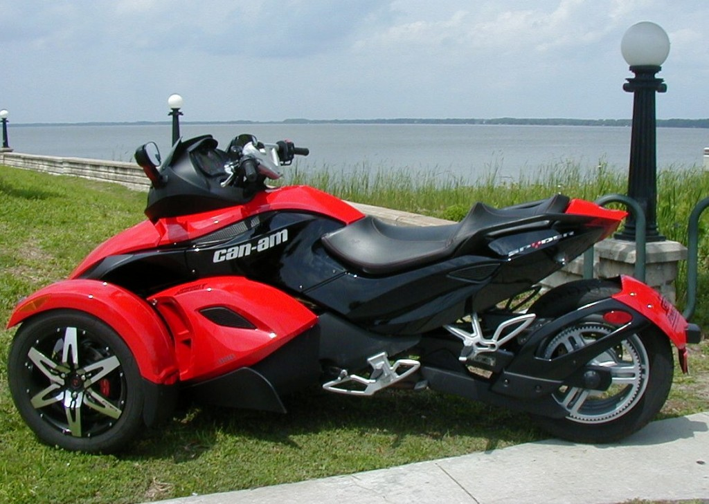 Can Am Spyder Roadster Rs Image 6