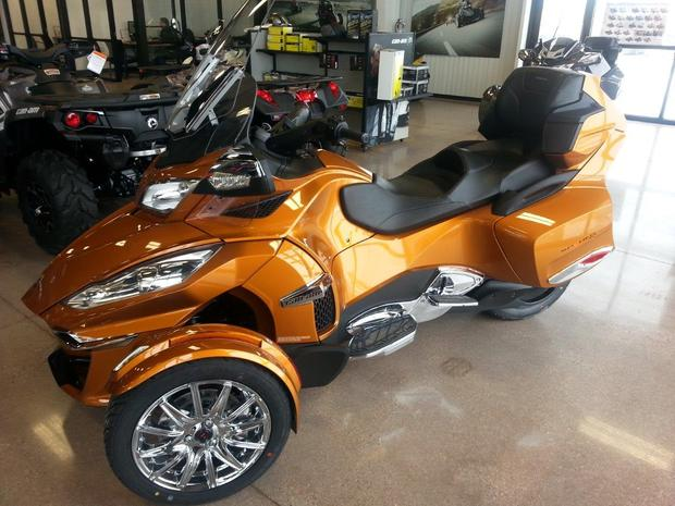 Can-Am Spyder Roadster RT Limited #8