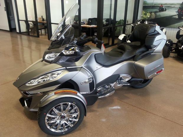 Can-Am Spyder Roadster RT Limited #6