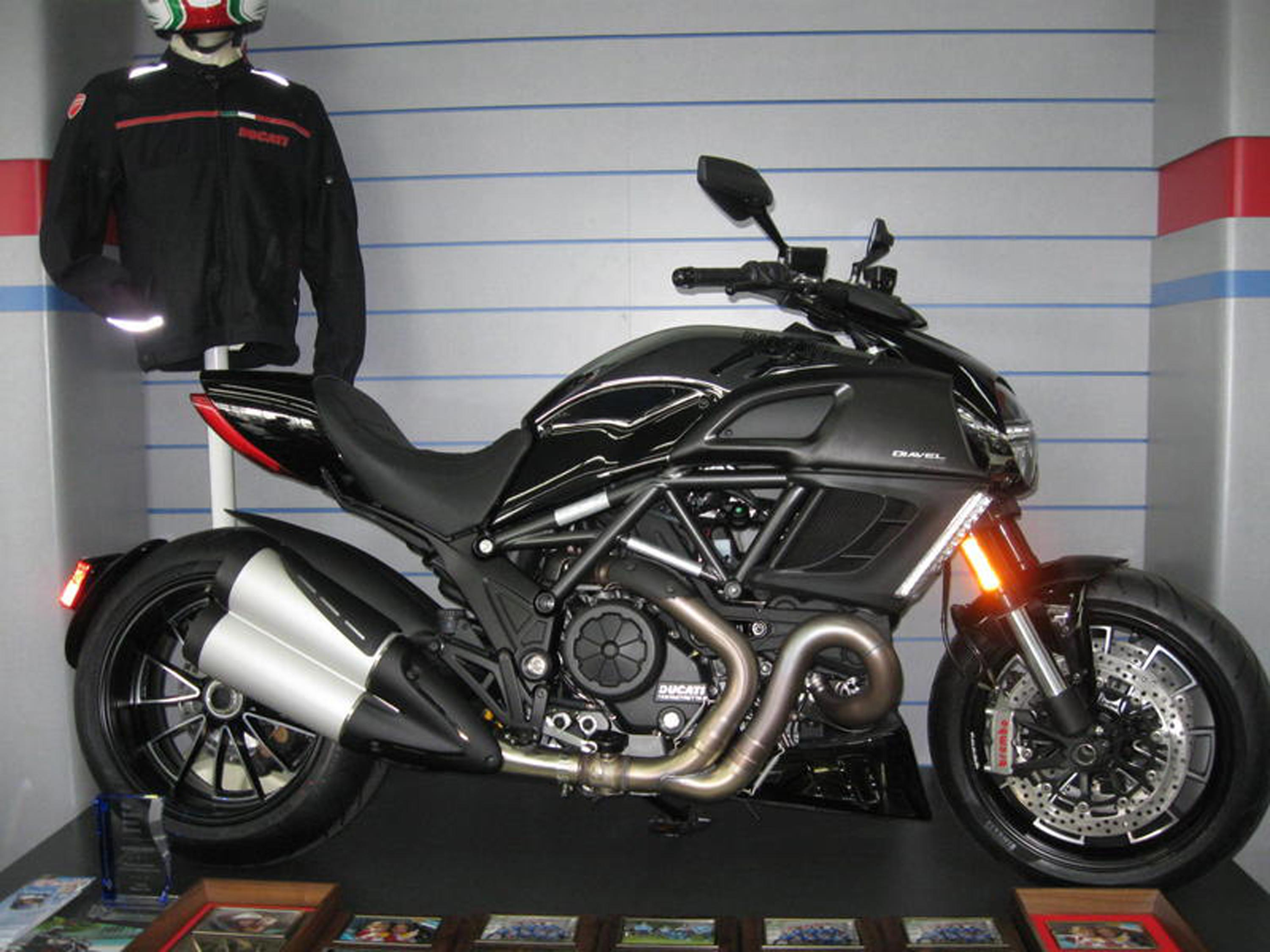 2013 Ducati Diavel Dark #11