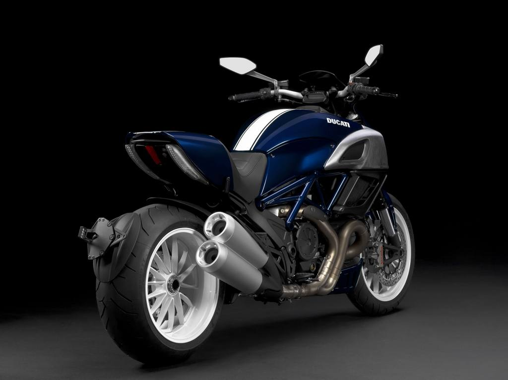 Ducati Diavel Dark 2013 #9