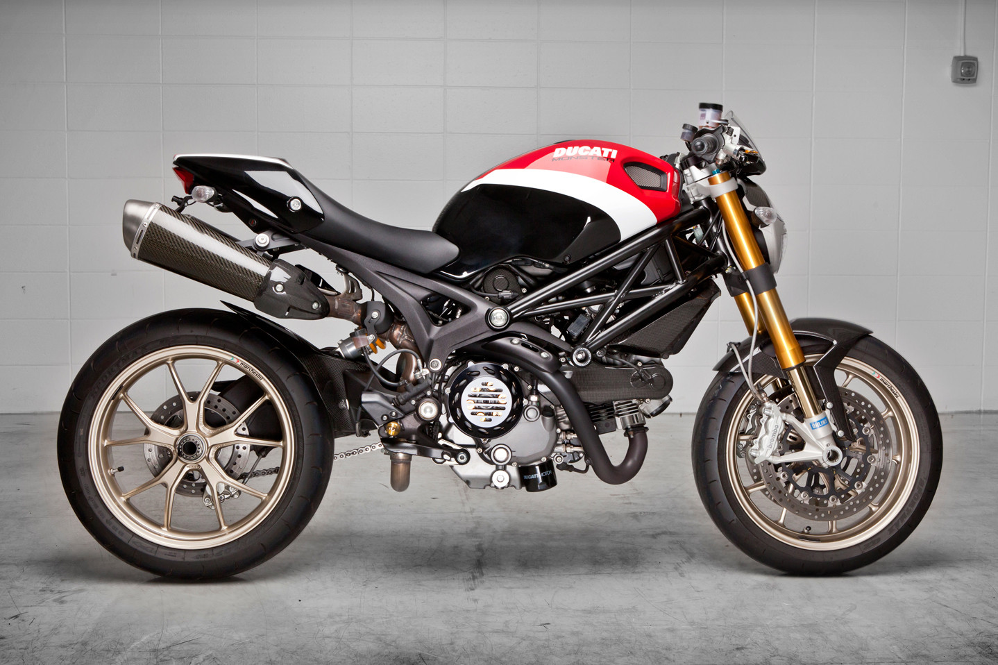 ducati ducati monster 1100s moto zombdrive com. Black Bedroom Furniture Sets. Home Design Ideas