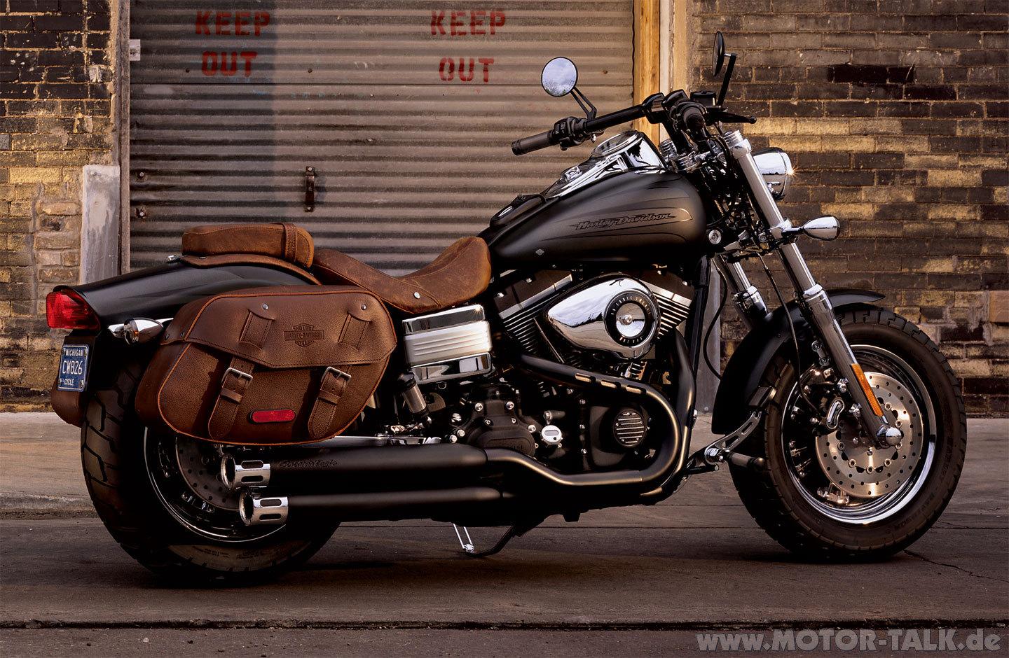 harley davidson harley davidson dyna fat bob moto zombdrive com. Black Bedroom Furniture Sets. Home Design Ideas