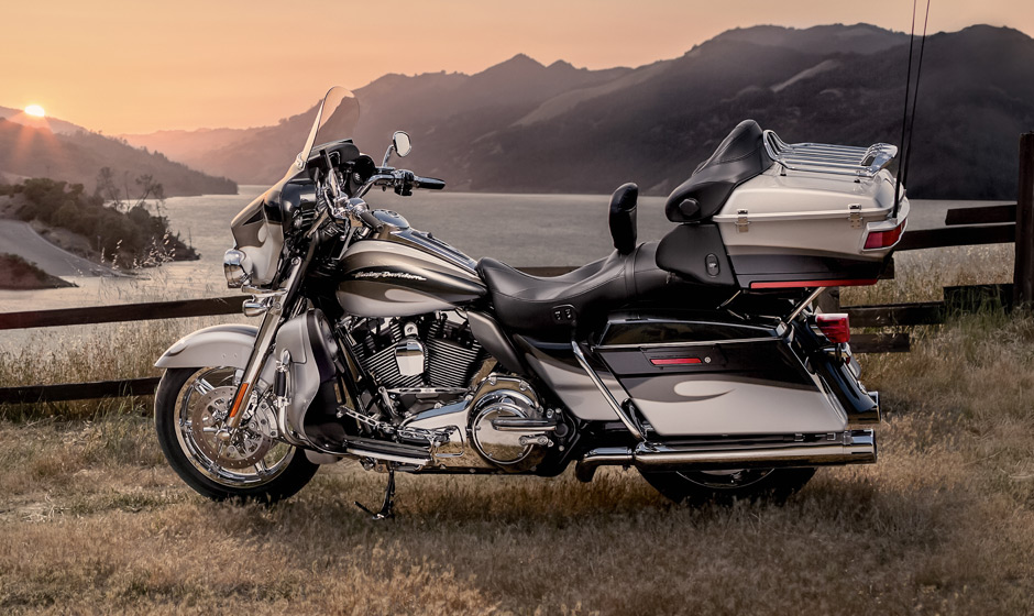 Harley-Davidson Electra Glide Classic #11