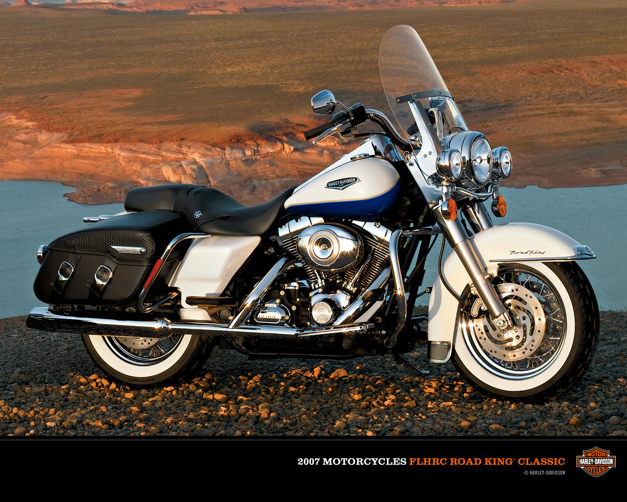 Harley-Davidson FLHRC Road King Classic 2011 #12