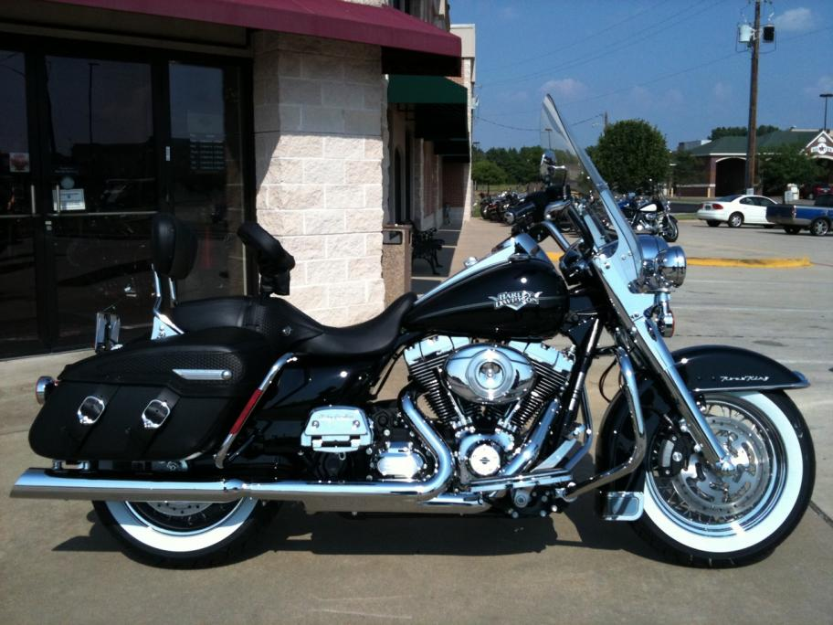 Harley-Davidson FLHRC Road King Classic 2011 #4