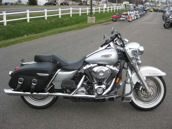 Harley-Davidson FLHRCI Road King Classic 2005 #8