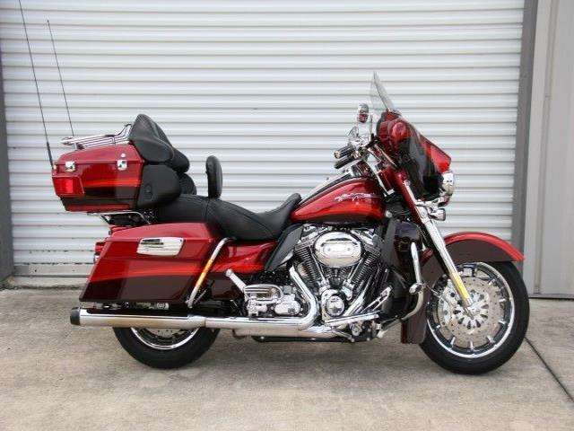 Harley-Davidson FLHTCUSE4 CVO Ultra Classic Electra Glide 2009 #6