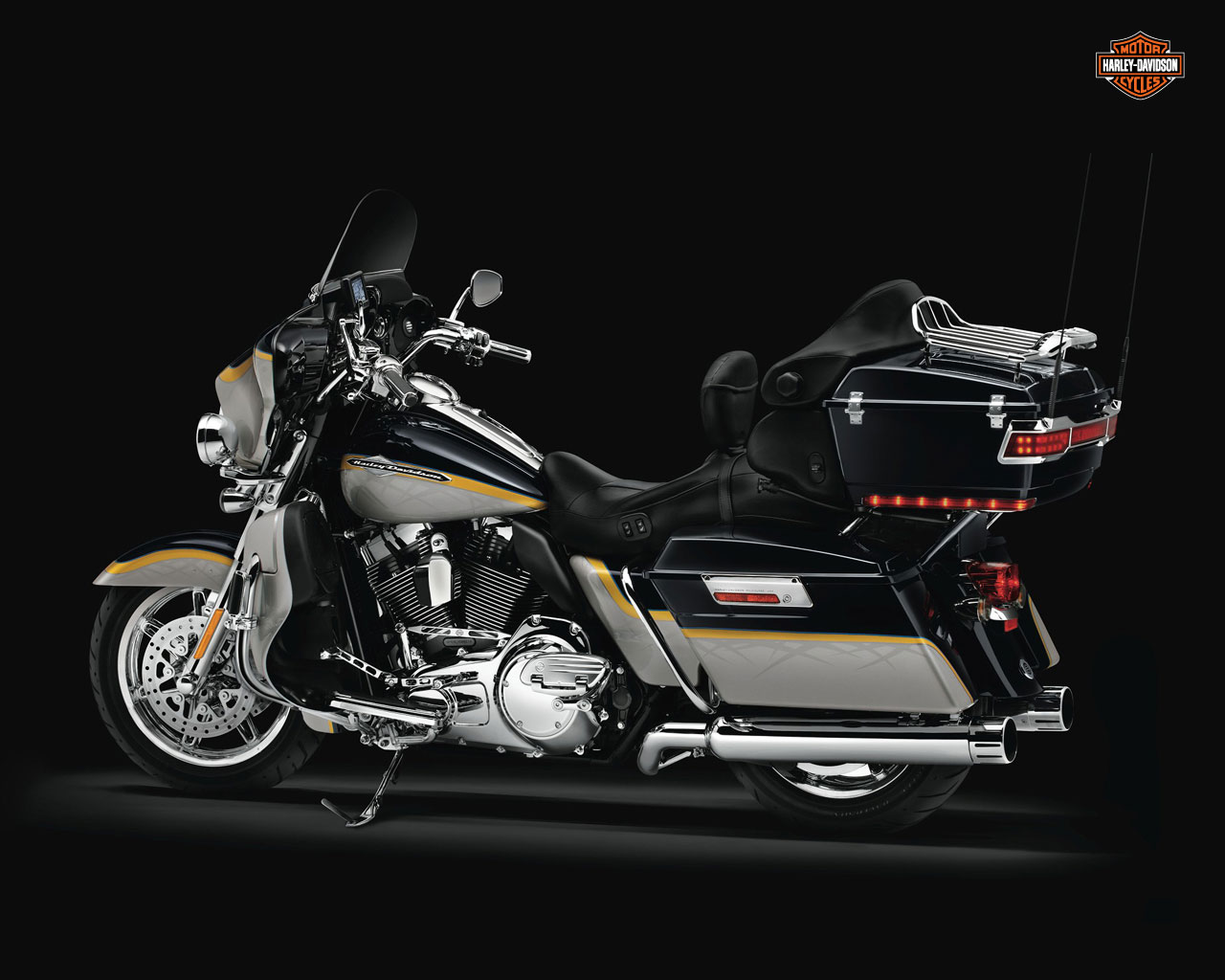 Harley-Davidson FLHTCUSE6 CVO Ultra Classic Electra Glide 2011 #11