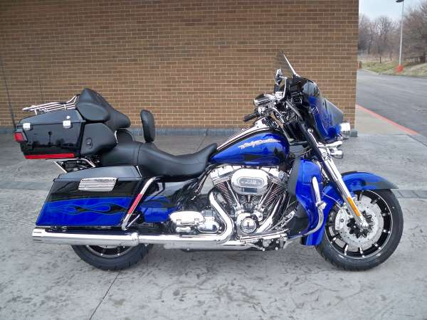 Harley-Davidson FLHTCUSE6 CVO Ultra Classic Electra Glide 2011 #12