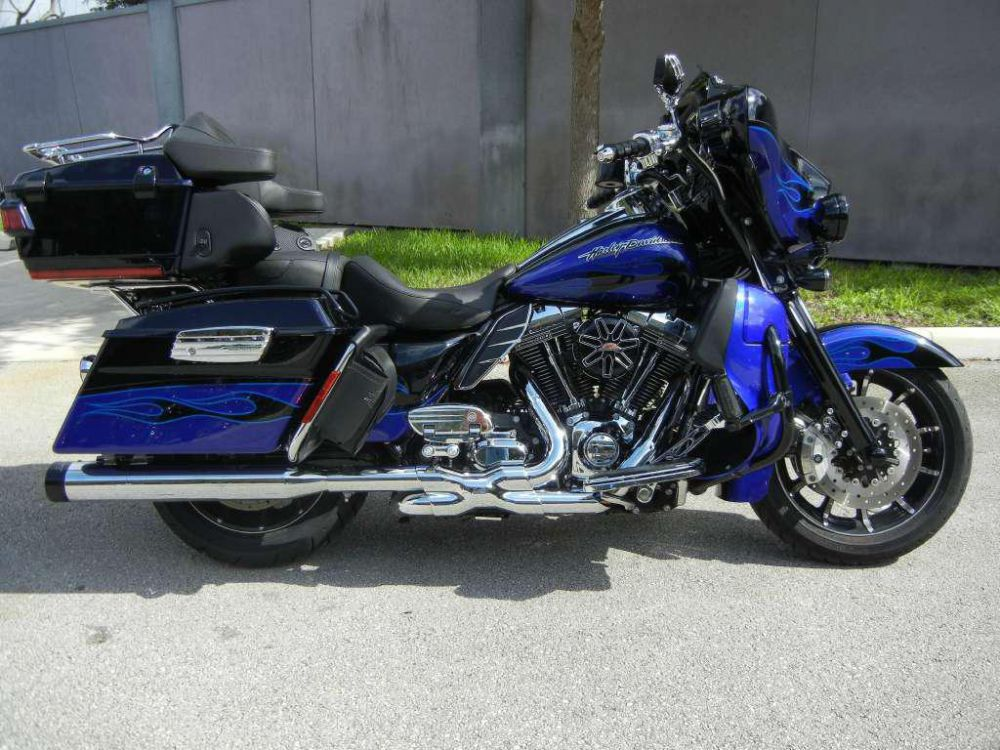 Harley-Davidson FLHTCUSE6 CVO Ultra Classic Electra Glide 2011 #15