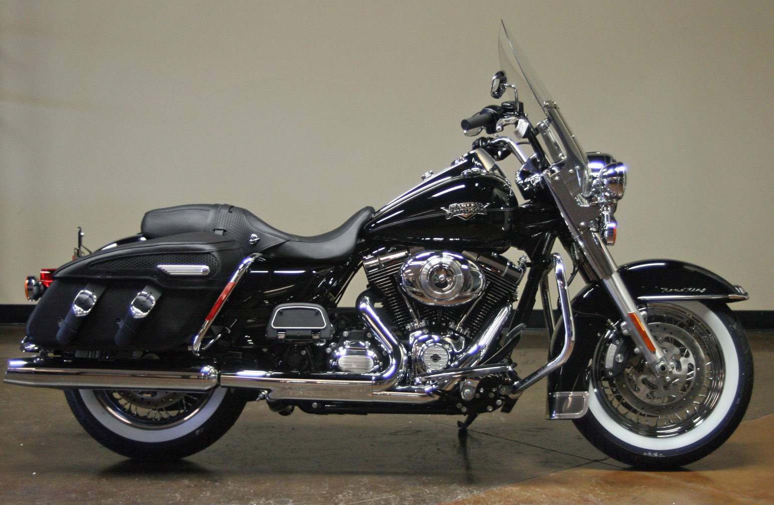 Harley-Davidson Road King Classic #15