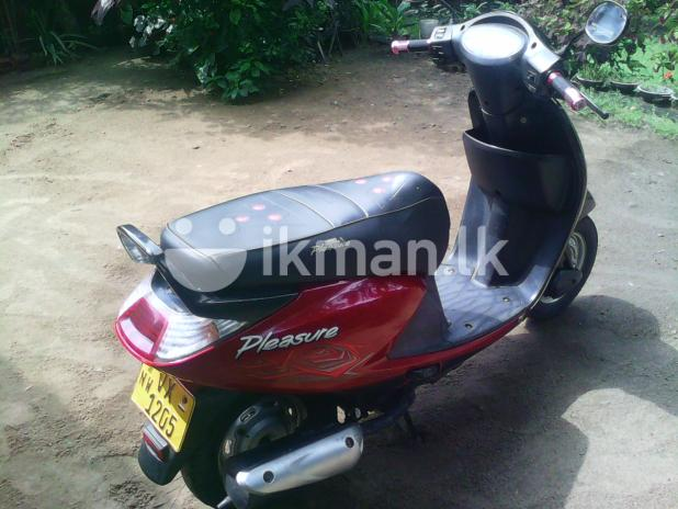 Hero Honda Pleasure 100 2010 #2