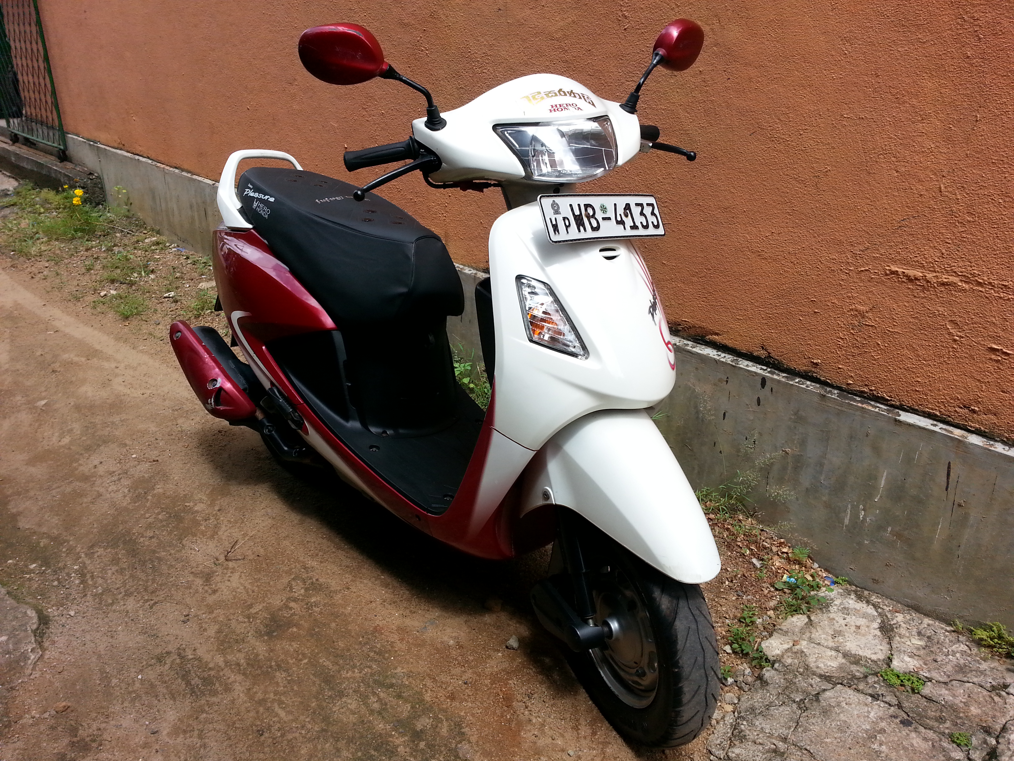 Hero Honda Pleasure 100 2010 #5