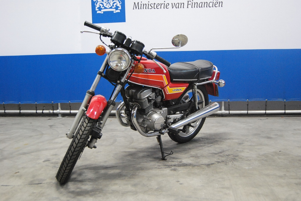 Honda CB125T2 glorifying roads #3