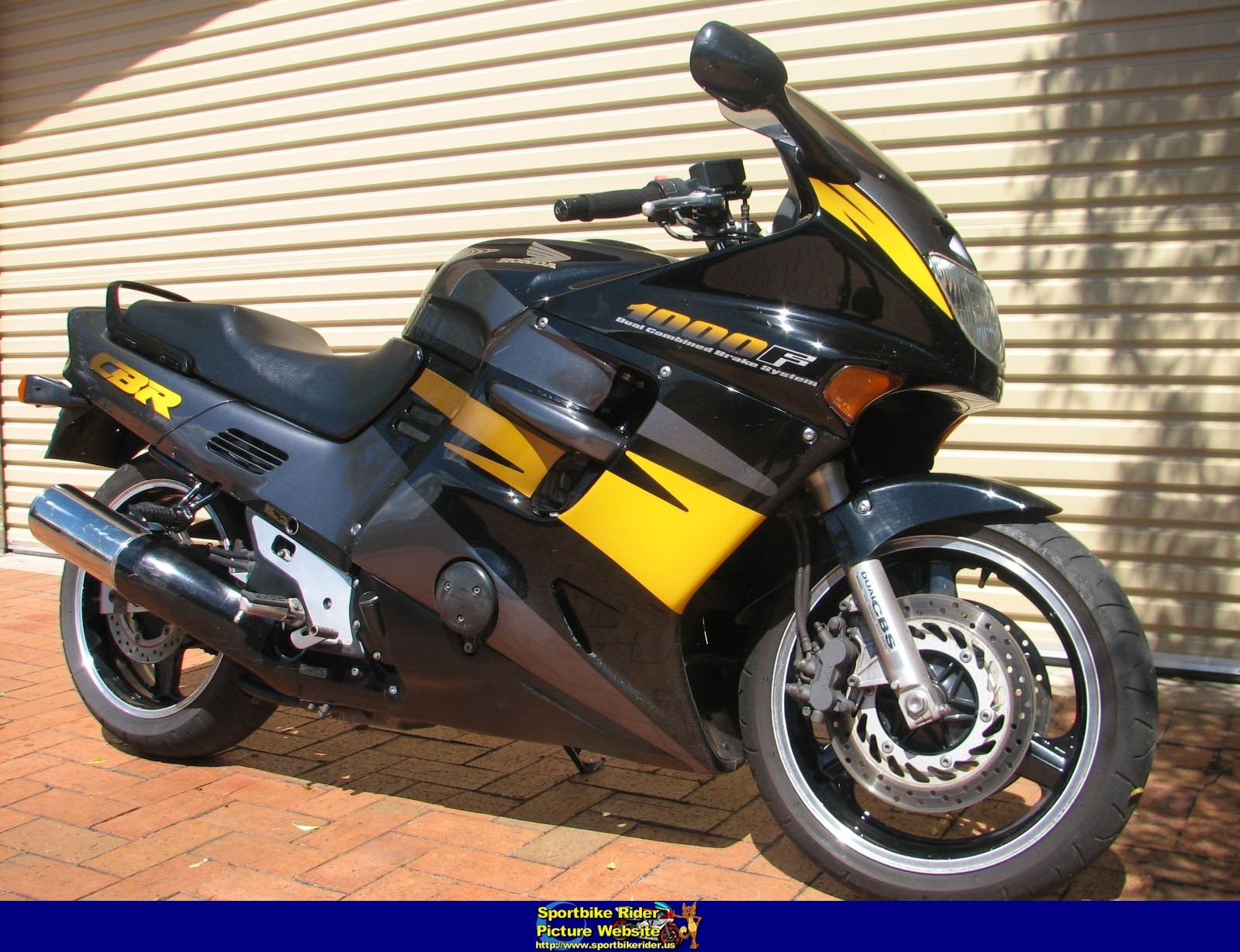 1995 honda cbr1000f moto zombdrive com. Black Bedroom Furniture Sets. Home Design Ideas