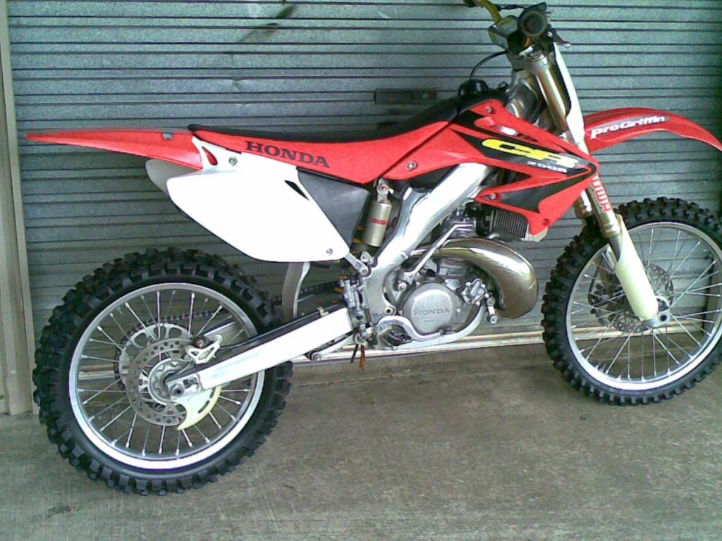 2003 honda cr250r moto zombdrive com for Uses for dirt