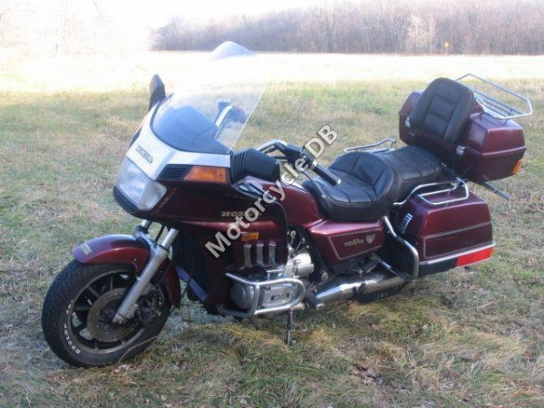 Honda GL1200DX Gold Wing #1