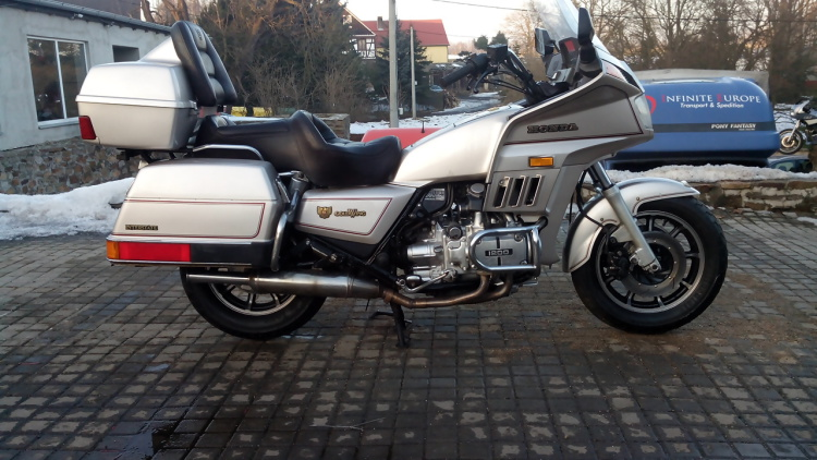 Honda GL1200DX Gold Wing #5