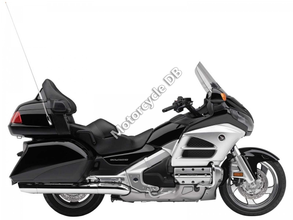 Honda GL1800 Gold Wing Deluxe #1