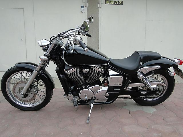 Honda Shadow Slasher 400 2002 #2