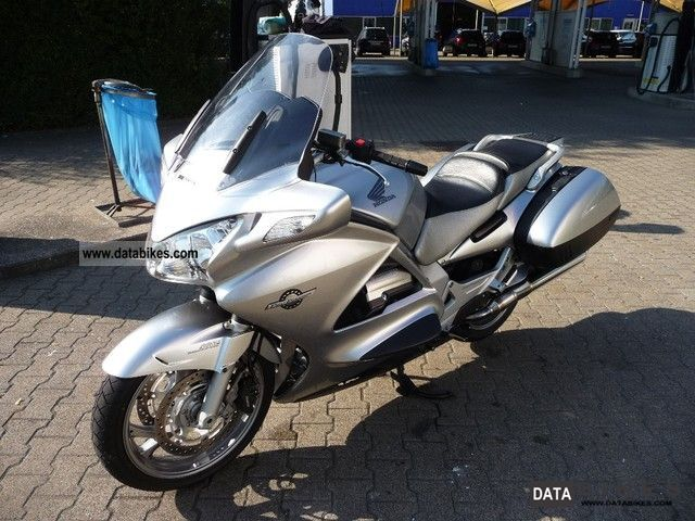 Honda ST1300 Pan-European 2003 #6