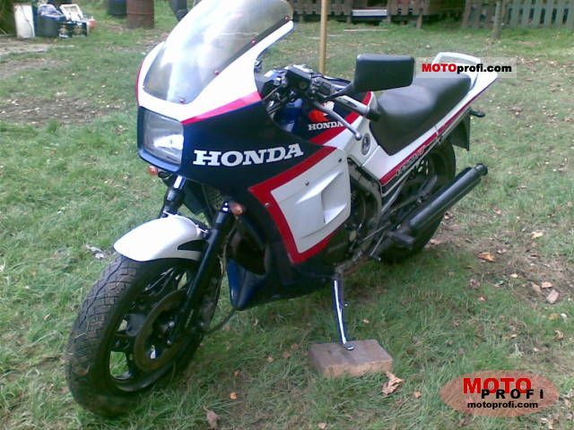 Honda VF1000F (reduced effect) 1985 #3