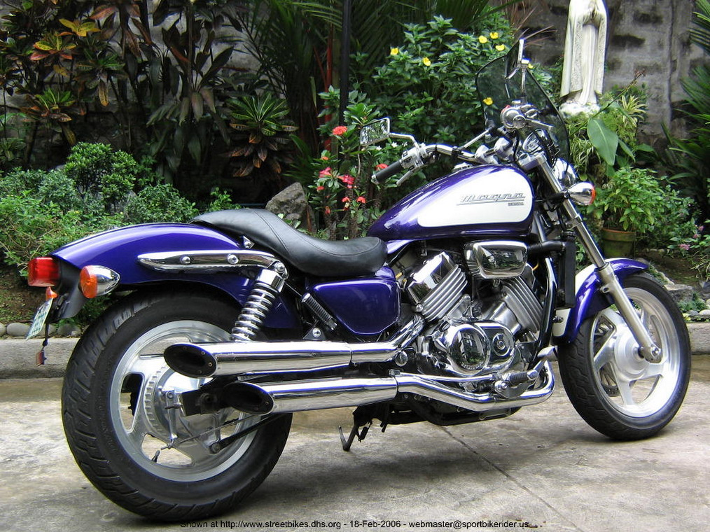 2002 Honda Magna| V4 Power in a Cruiser is What The World ...
