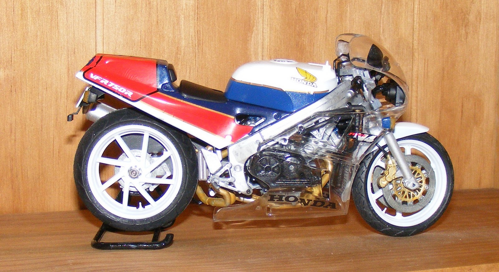 Honda VFR750R / RC30 (reduced effect) #10