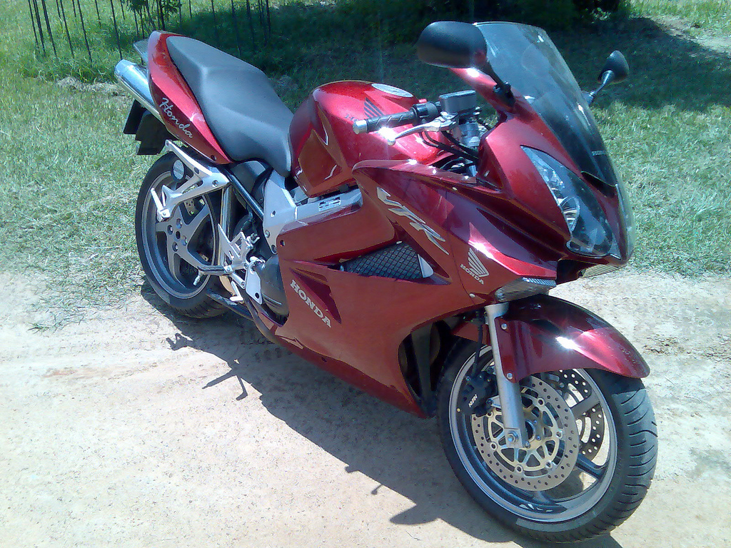 Honda VFR800FI Interceptor 2002 #11
