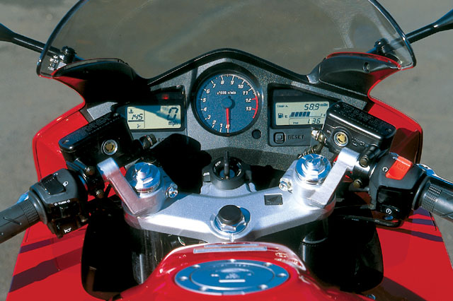 Honda VFR800FI Interceptor 2002 #13