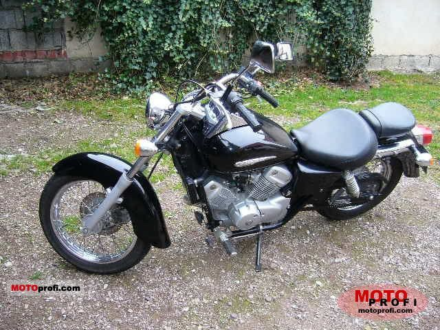 Honda VT125C2 Shadow #11