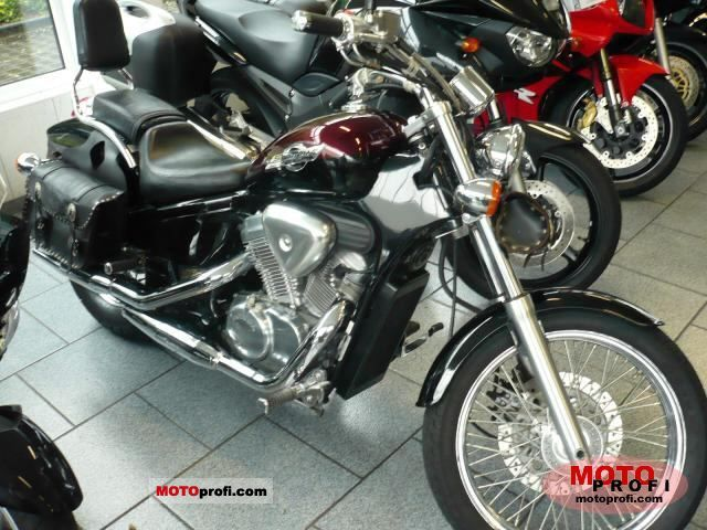 2001 Honda VT600C Shadow #9