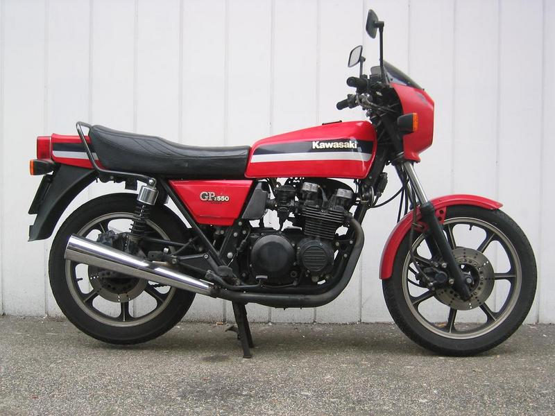 1984 Kawasaki GPZ550 (reduced effect) #5