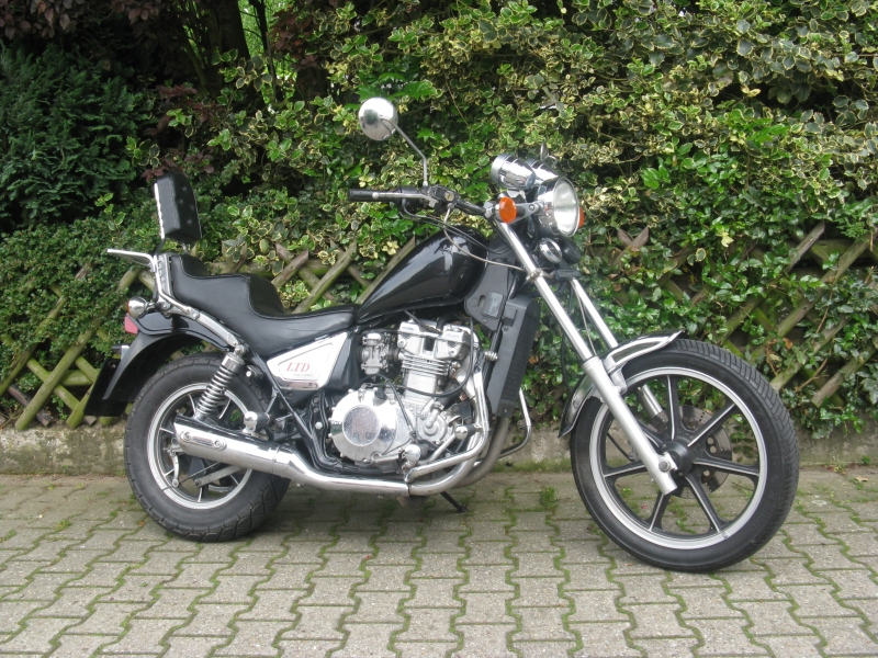 Kawasaki Z450 LTD (reduced effect) #2