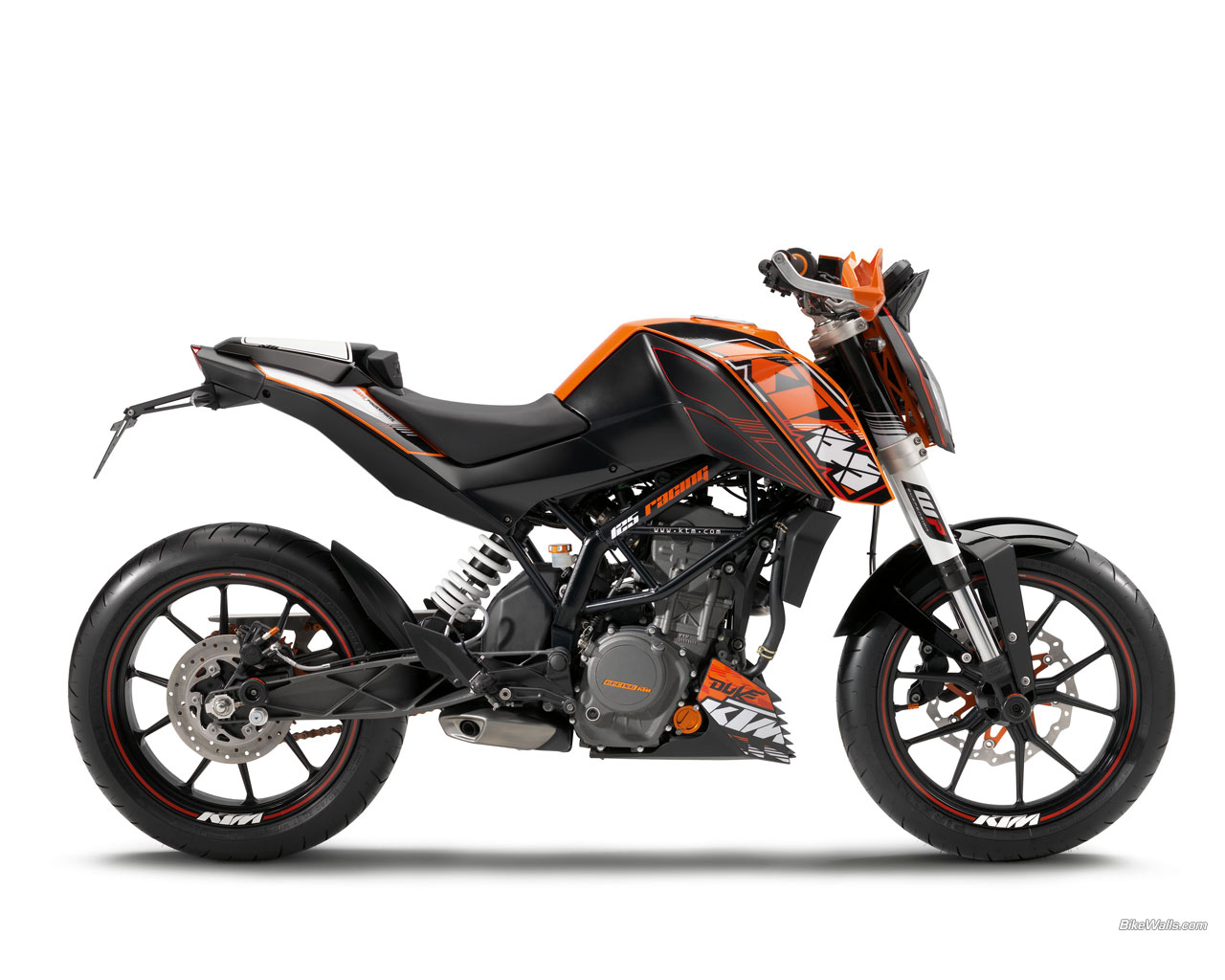 2011 ktm 125 duke moto zombdrive com. Black Bedroom Furniture Sets. Home Design Ideas