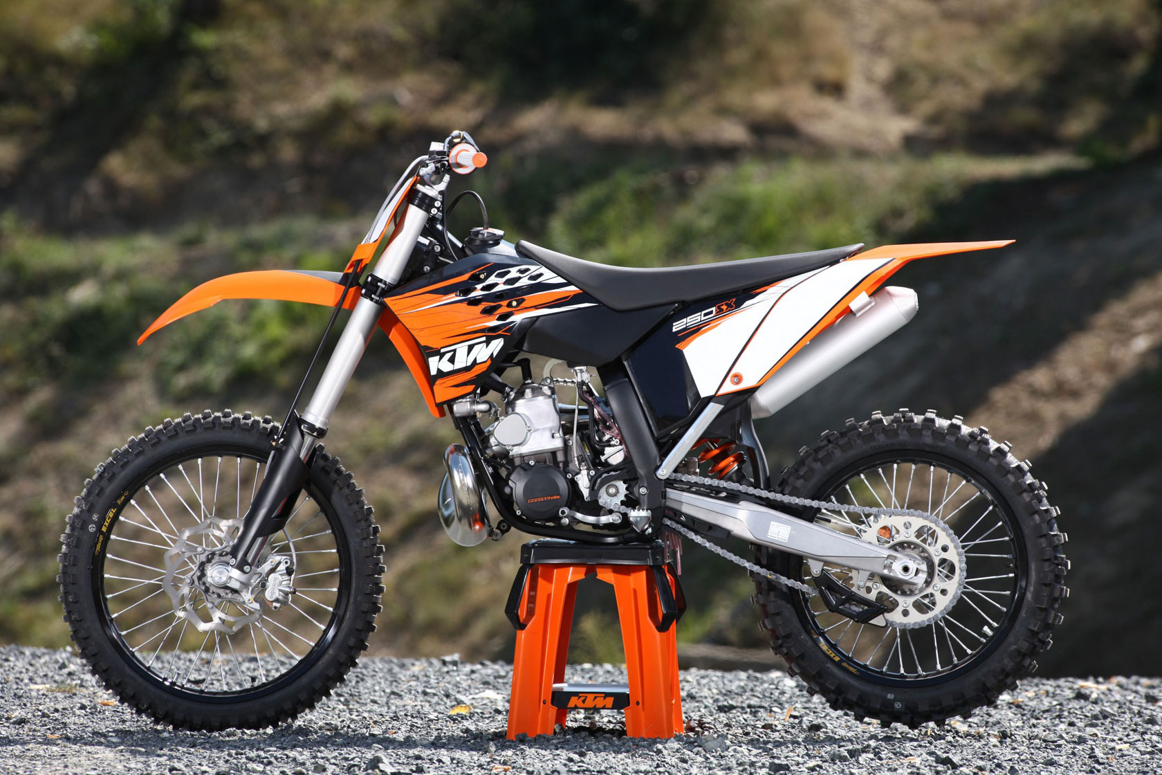 2010 ktm 250 sx f moto zombdrive com. Black Bedroom Furniture Sets. Home Design Ideas