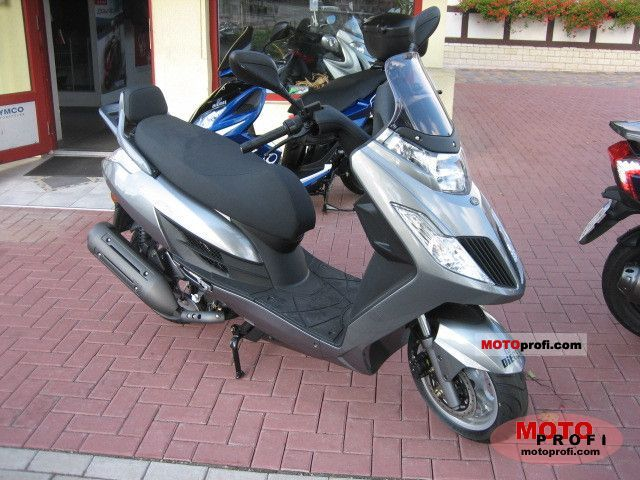 2011 kymco yager gt 200i moto zombdrive com. Black Bedroom Furniture Sets. Home Design Ideas