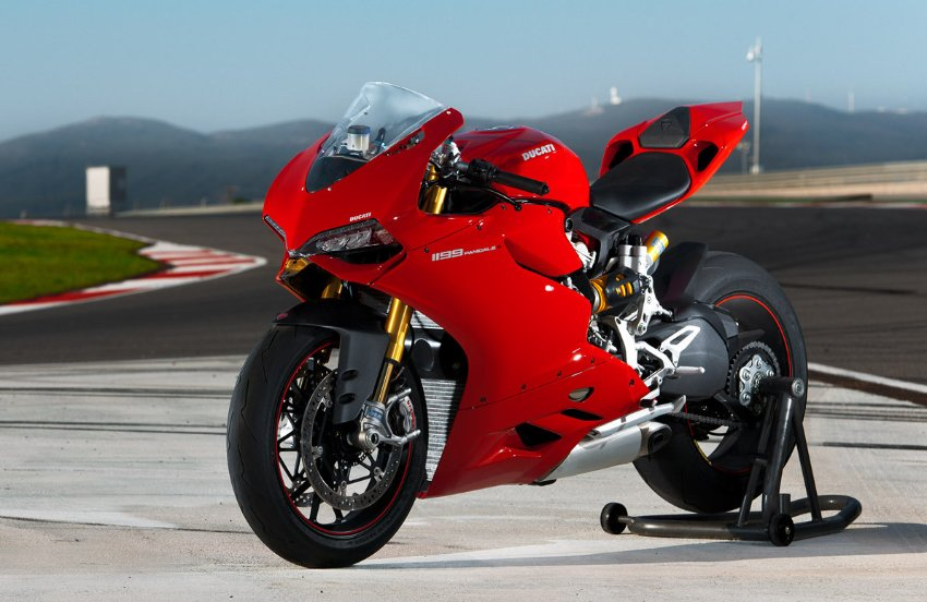 Loving for speed with Ducati 1199 Panigale #8