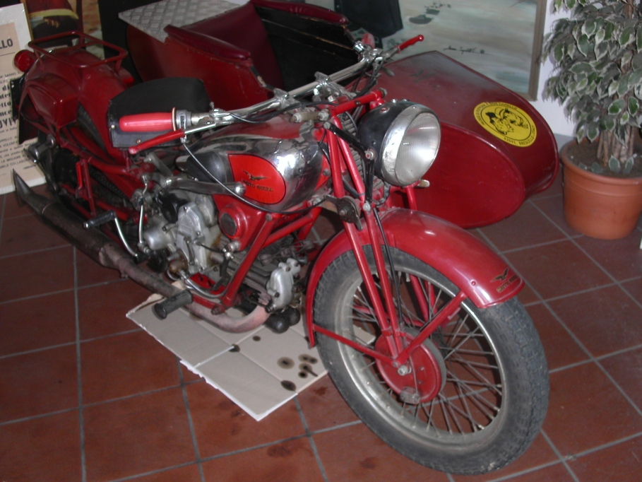 1988 Moto Guzzi Mille GT (reduced effect) #7