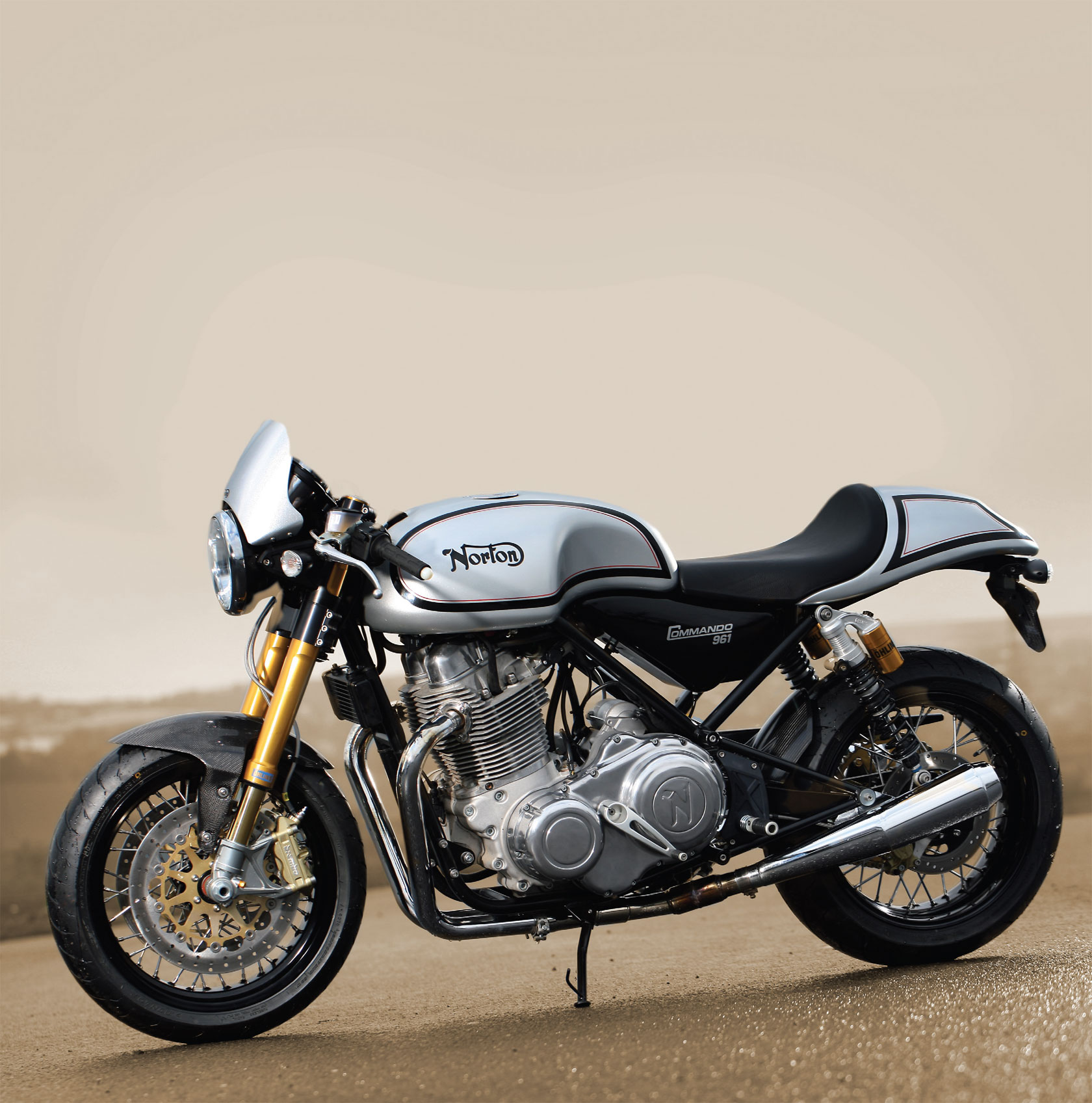 Norton Commando 961 Cafe Racer 2011 #1