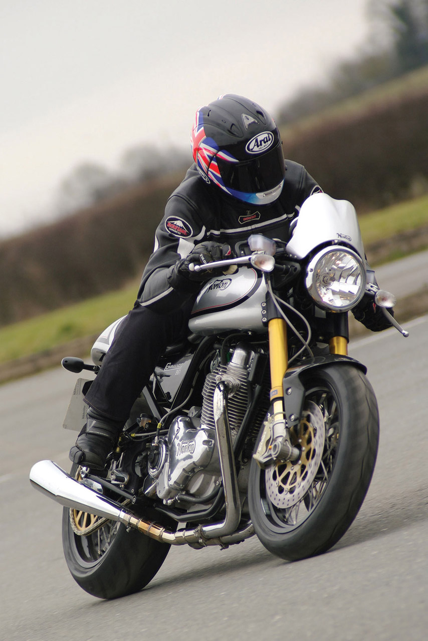 Norton Commando 961 Cafe Racer 2011 #2