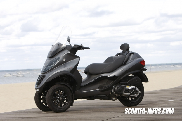 A Beautiful View of Piaggio MP3 500 | Scooters | Pinterest ...