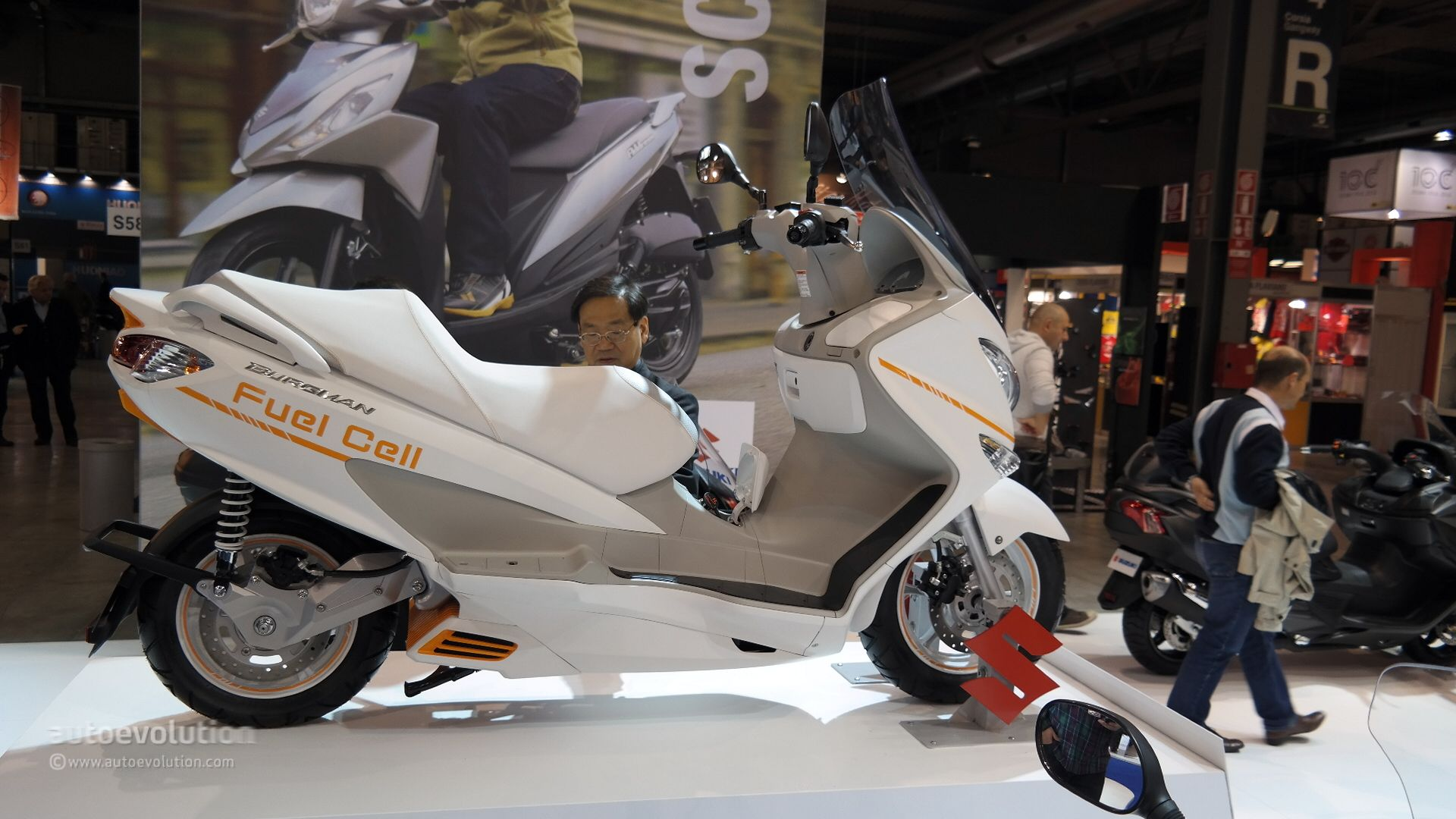 Suzuki Burgman Fuel Cell #9